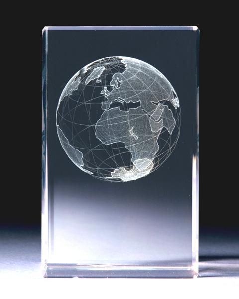 maapallo kristallikuutiossa